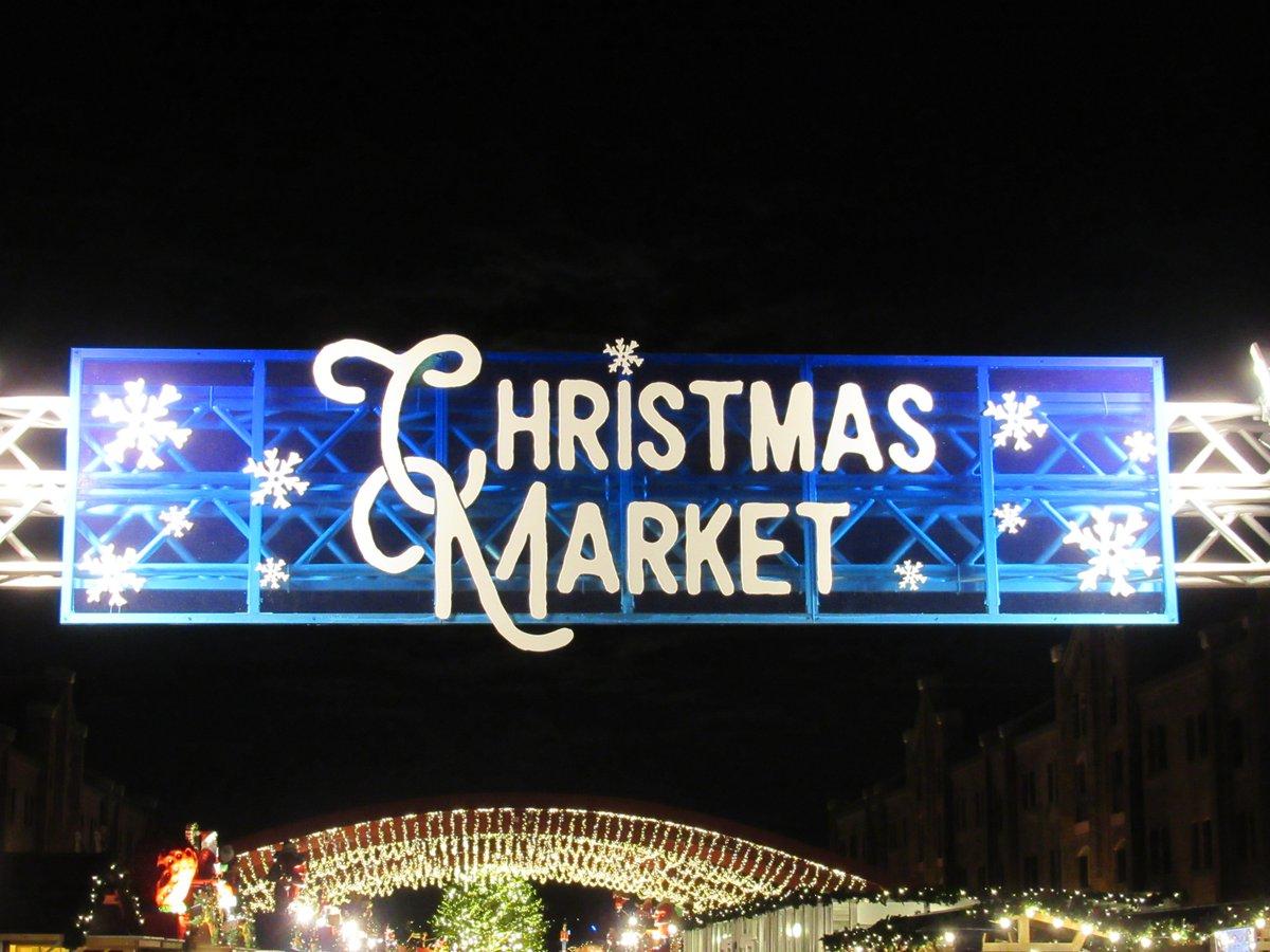 Red Brick Warehouse・Christmas market・Signboard