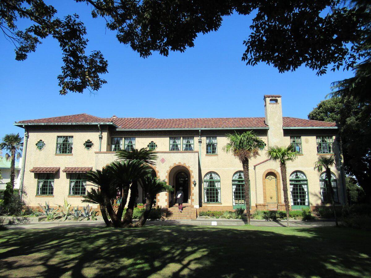 Berrick Hall・building